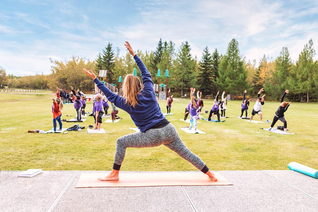 cours-yoga-entreprise-professionnels-en-presentiel-mrp