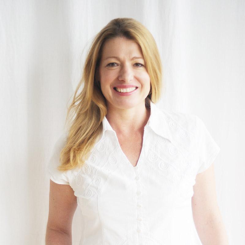 Professeur Certifié Marie-Rose Poujardieu de Yoga, Reiki, Bols Tibétains, Intuition et Soins Energetique